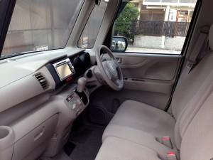 ホンダN BOXの運転席&助手席