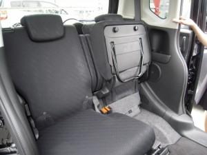 N BOXの後部座席